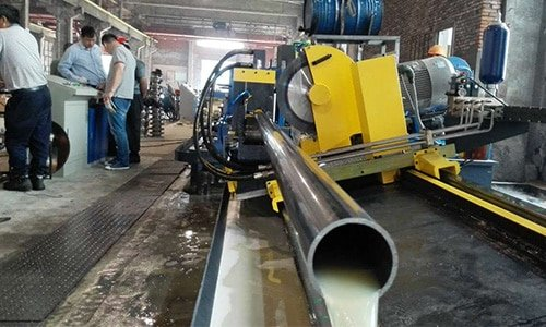 Welded pipe cold cutting saw