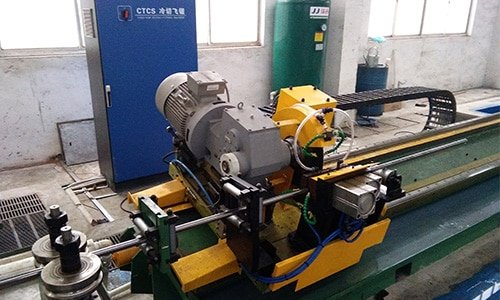 welded pipe flying saw